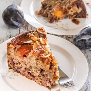 עוגת שזיפים עם אגוזים  ושוקולד-הה