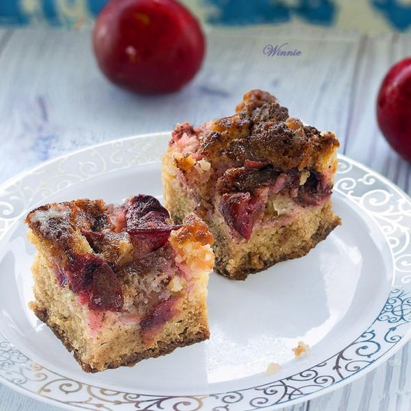 עוגת שזיפים עם ציפוי מתוק - אא