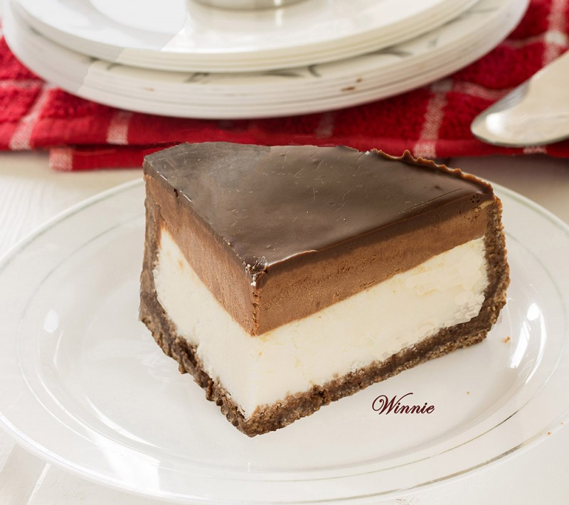 Cheesecake with Chocolate Mousse