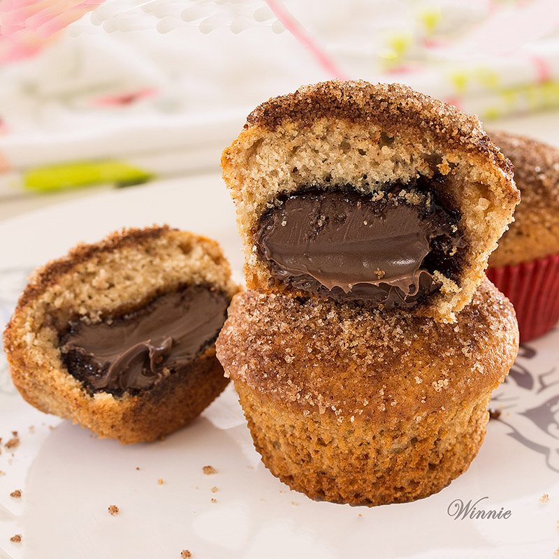 Snickerdoodle Muffins filled with Chocolate
