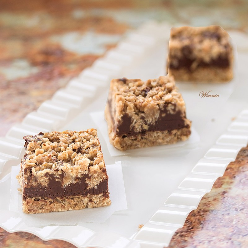 No-Bake Chocolate, Peanut-butter Oat Bars