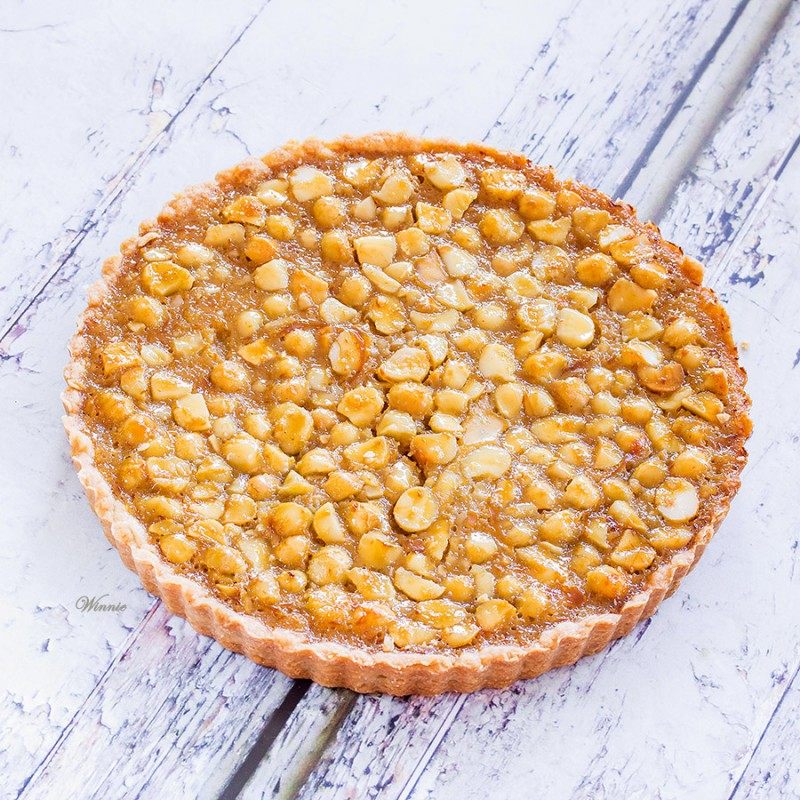 Honey Tart with Macadamias Nuts