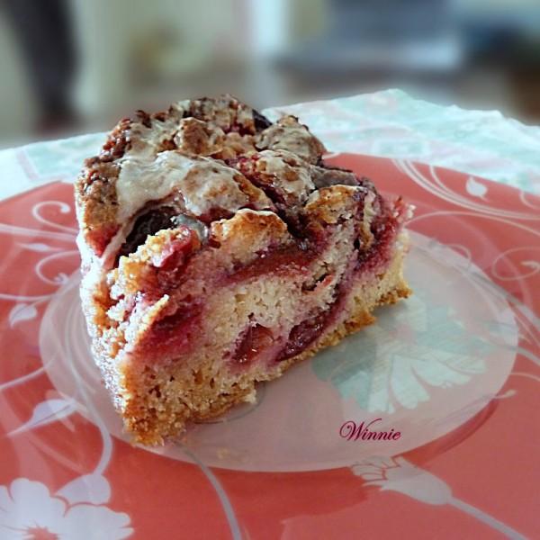 Plum cake with sugar coating