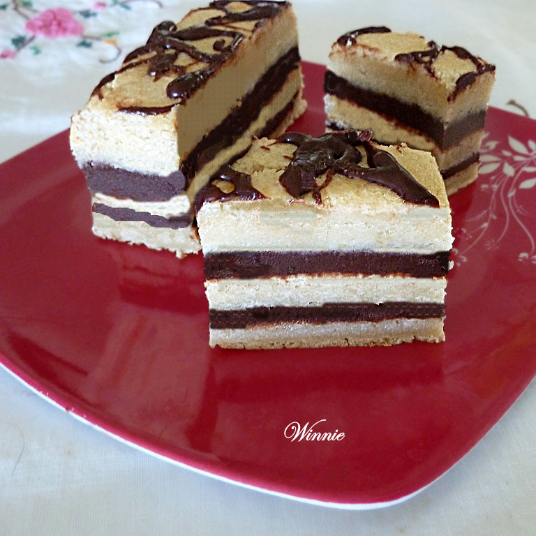 Layered Blondies with Chocolate Ganashe