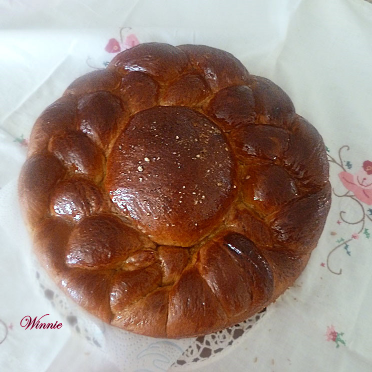 Rich date-syrup Challah