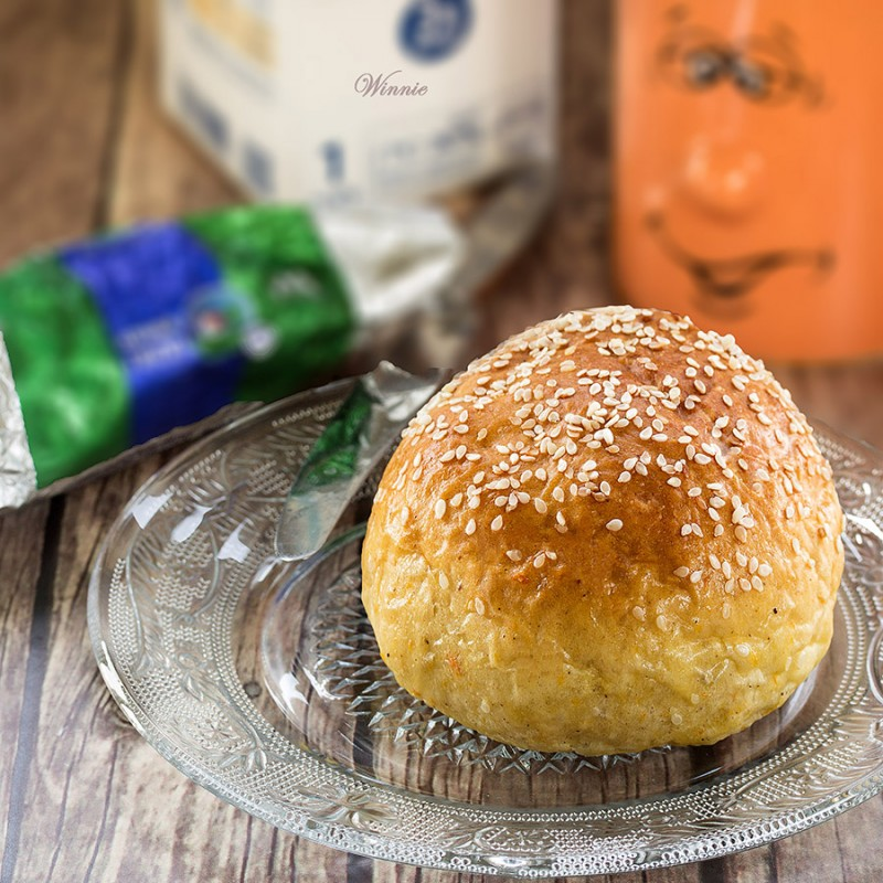 Sweet Pumpkin-Cinnamon Challah and Rolls