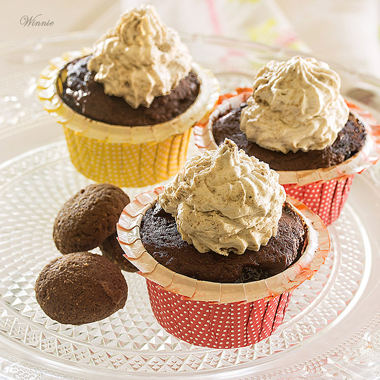 Surprise Cookie-Stuffed Cupcakes
