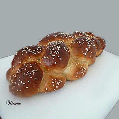 Soft and Fluffy Challahs and Rolls - lightly sweetened