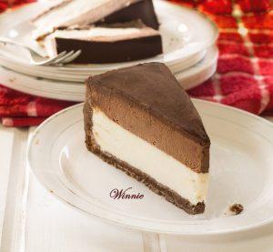 עוגת גבינה עם מוס שוקולד מוקצף